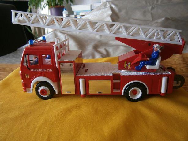 Camião dos bombeiros c/3 tripulantes usado