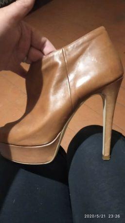 Сногшибательные туфли,босоножки,ботильены Carmens Италия кожа