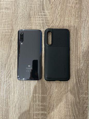Xiaomi Mi 9 (128Gb/ 6Gb ОЗУ) Игровой телефон в хорошем состоянии