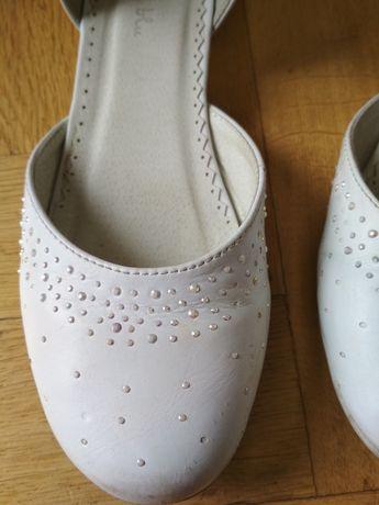 Buty białe komunijne rozmiar 37 z cyrkoniami