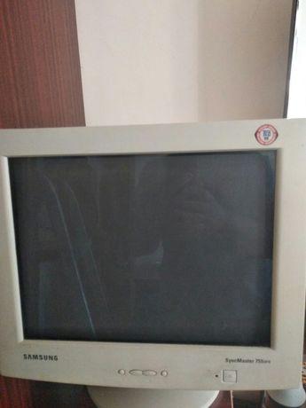 Монітор Samsung SyngMaster 755dfx