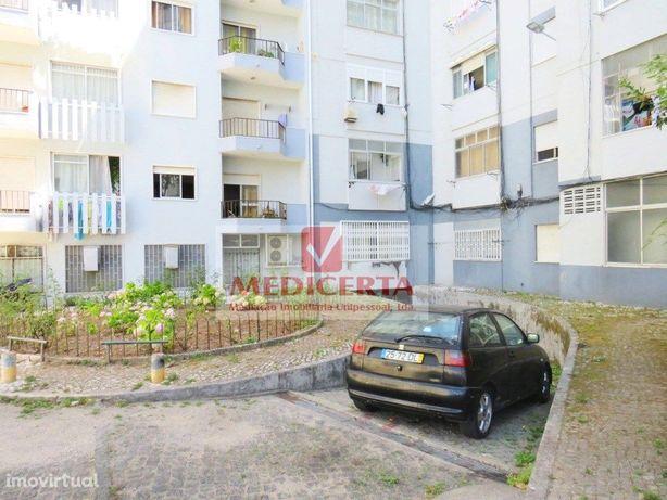 Garagem/Armazem – 225m2 com wc – AMADORA
