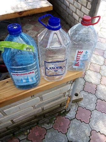 Пластиковые 5-6л бутылки из под воды