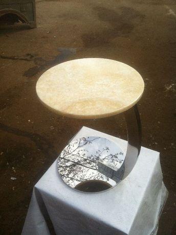 Стол прикроватный из нержавеющей стали + оникс, стекло, мрамор, гранит