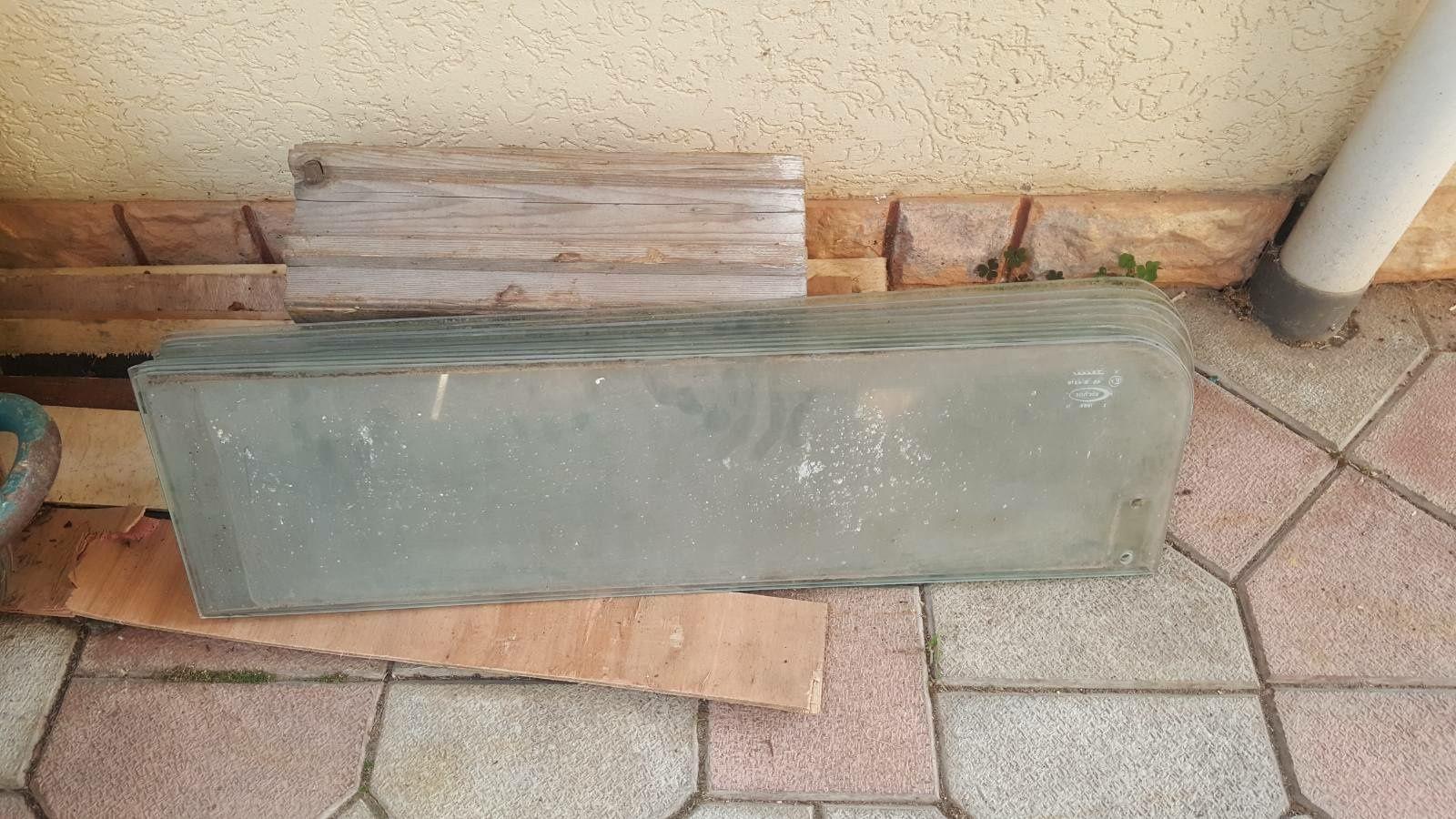 Продам бокові вікна на Ікарус