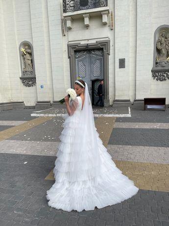 Прокат весільної сукні