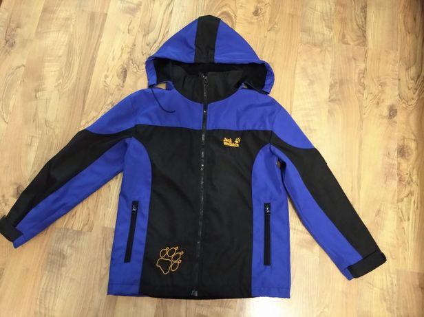 Куртка демисезонная на мальчика Jack Wolfskin рост 140