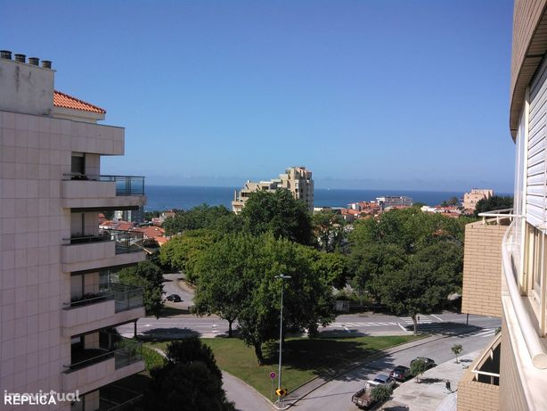 Apartamento T3 na Foz do Douro, com vistas de mar e de rio