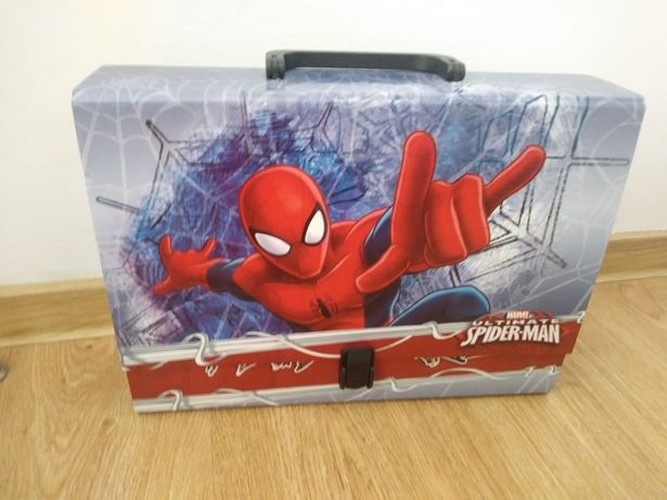 Teczka, walizka, walizeczka Spiderman