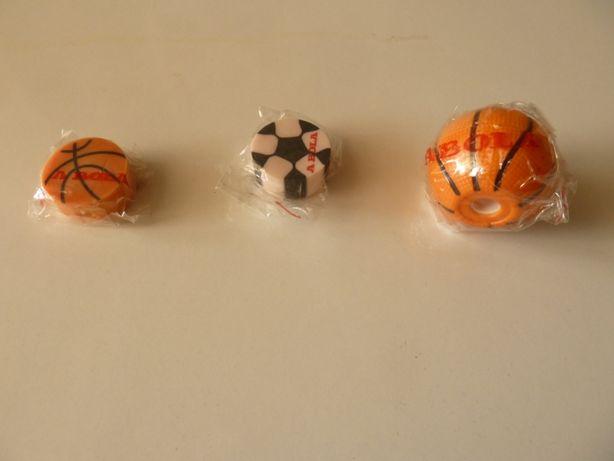 afiador de lapis e duas borrachas (basquetebol e futebol)