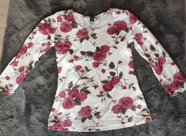 Delikatna bluzka w kwiaty