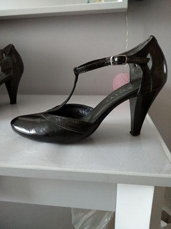 Buty skórzane damskie na obcasie