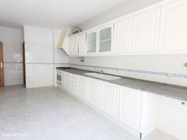 Apartamento T3 em Massamá Norte