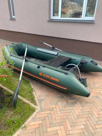 Лодка моторная Колибри КМ-330Д