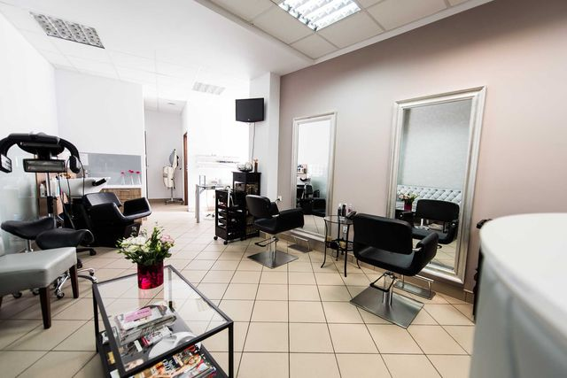 Salon fryzjersko-kosmetyczny na sprzedaż, Chrzanów