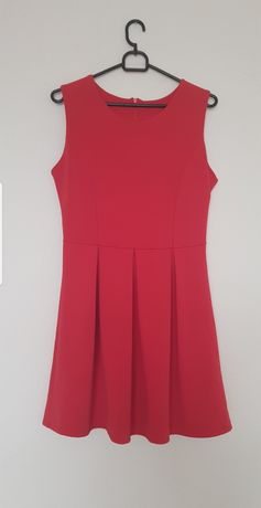 Czerwona sukienka 38M
