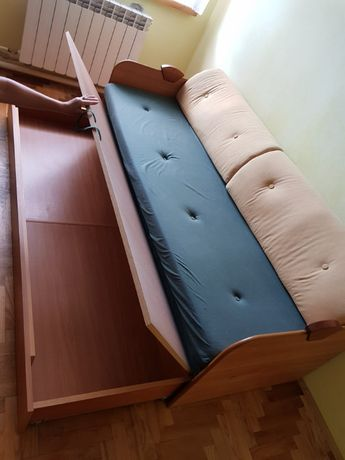 Wygodna sofa rozkładana + nowy materac!