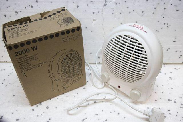 Grzejnik elektryczny farelka piecyk wentylator 2000W