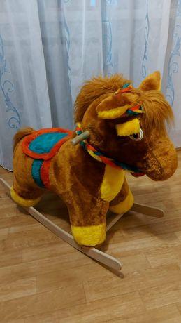 Лошадка качалка для деток