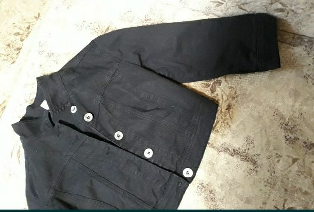 Укороченный котоновый пиджак.