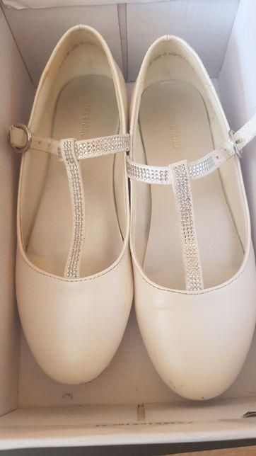 Białe pantofelki Deichman 33