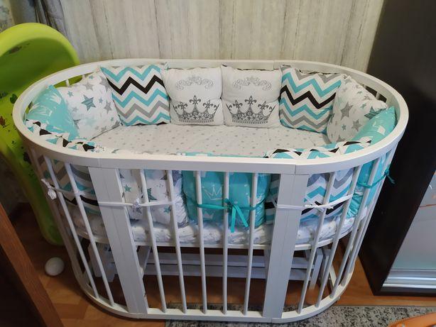 Кроватка с бортиками и балдахином