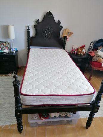 2 camas de solteiro + colchões
