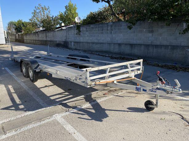 Reboque porta carros em aluminio 6m de comprimento