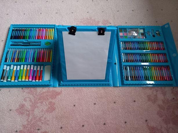 Большой набор для творчества рисования чемодан мольберт 208 предметов
