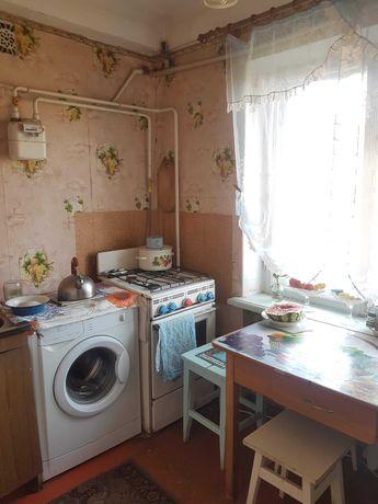 2-комнатная квартира около Кальмиусского исполкома, очень удобно!