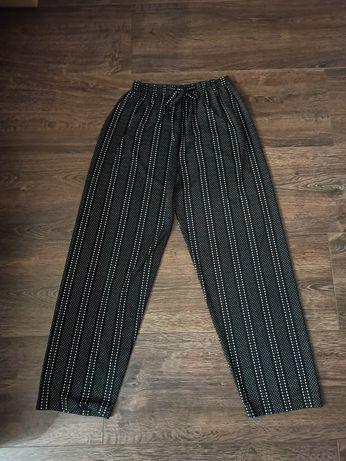 Spodnie w kropki/groszki