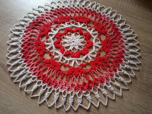 Serweta handmade na szydełku czerwona srebrna