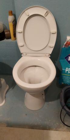 Miska WC i umywalka