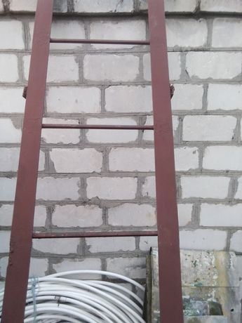 Продам железную лестницу