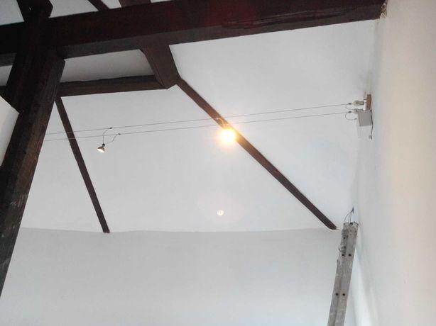 Eletricista\ Electricista, Canalização e Pinturas.