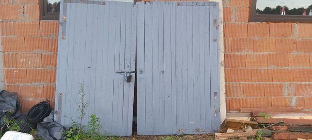 Brama garażowa dwuskrzydłowa