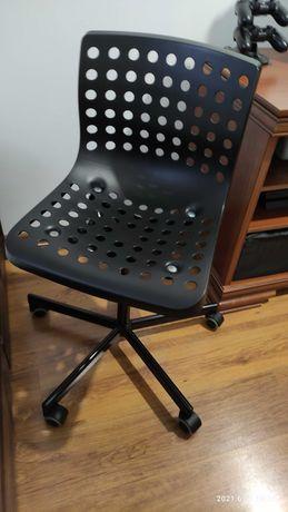 Krzesło obrotowe Ikea Sporren kolor czarny