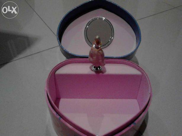 caixa de música da Barbie- NOVA