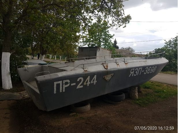 Продам лодку типа Тунец