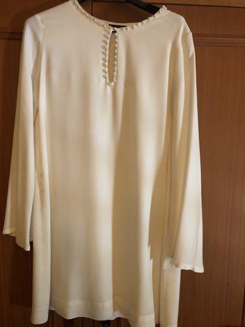 Vestido branco com pérolas