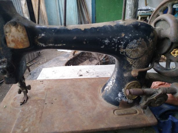 Швейная машина saalfeld антиквариат