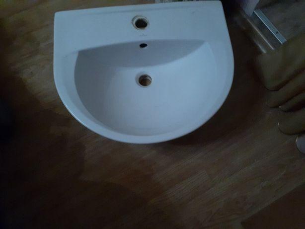 умивальник для ванної