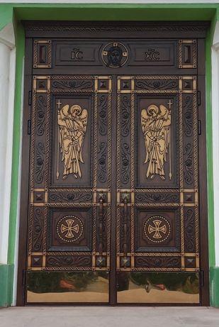 Двері в церкву