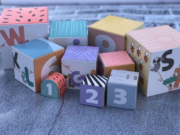 Іграшка, кубик