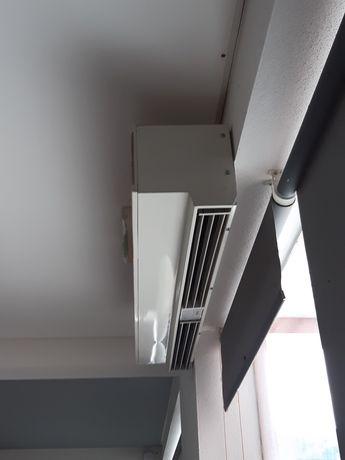 Cortina de ar com pouco uso