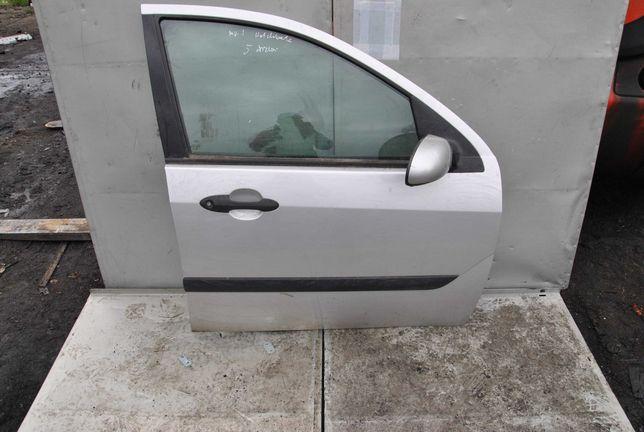 Drzwi prawy przód Ford Focus MK1 hb