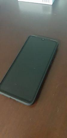 Capa Xiaomi Mi 9 Lite Preta com aplicador