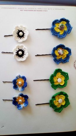 Ganchos de cabelo em Crochet