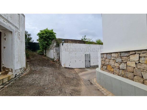 Casa Antiga para Reconstrução - Salir