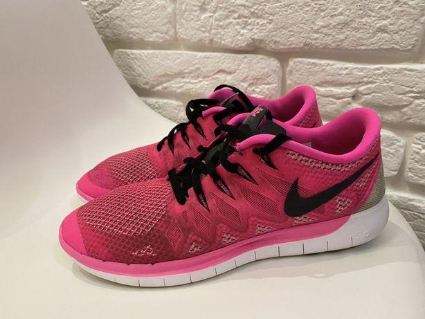 Кроссовки Nike. 40,5 р. 26 см стелька